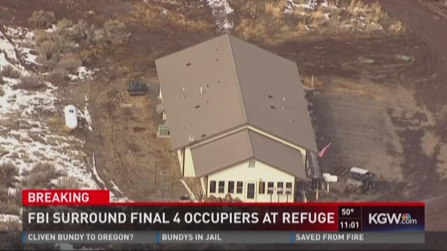 FBI surround final 4 occupiers at refuge
