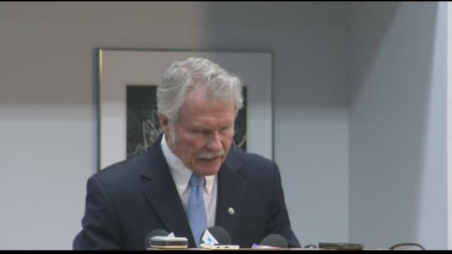 Governor John Kitzhaber addresses questions about his