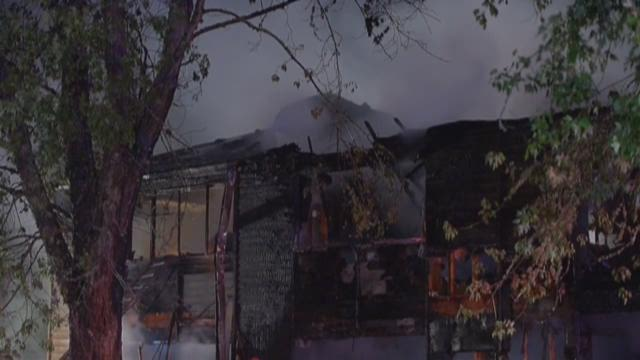 10 people displaced after apartment fire